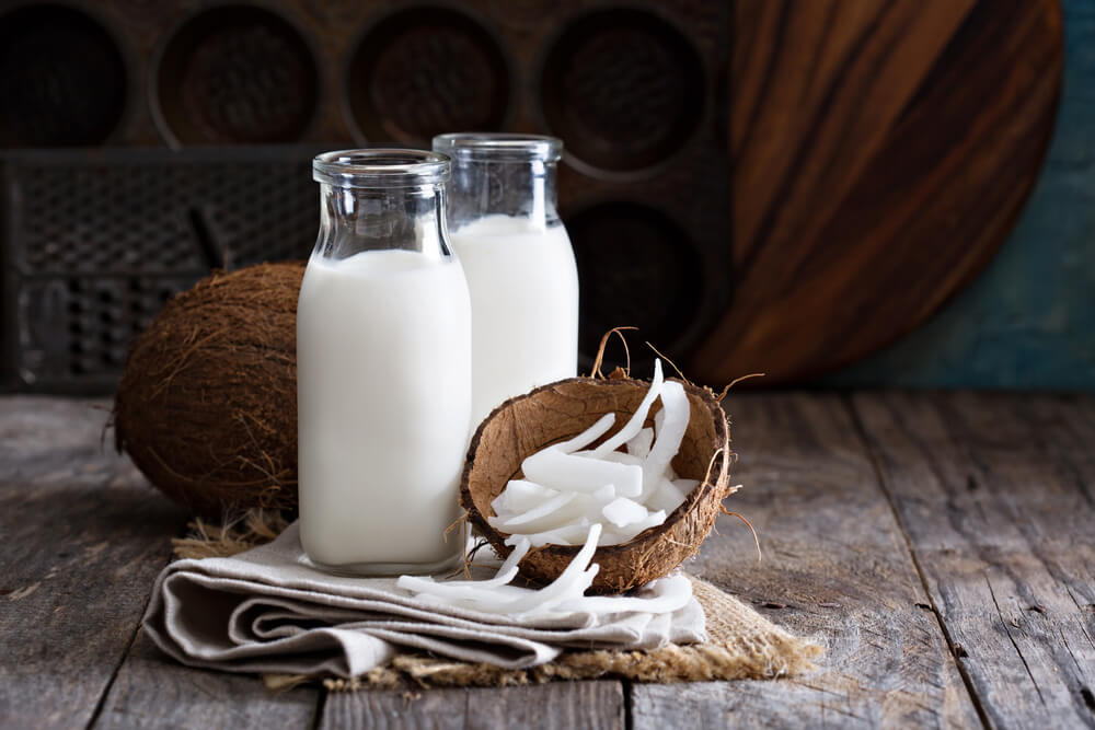Água de coco para a saúde, conheça os benefícios
