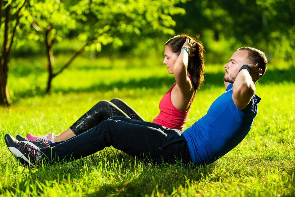 Qualidade de vida - casal que treina junto permanece junto