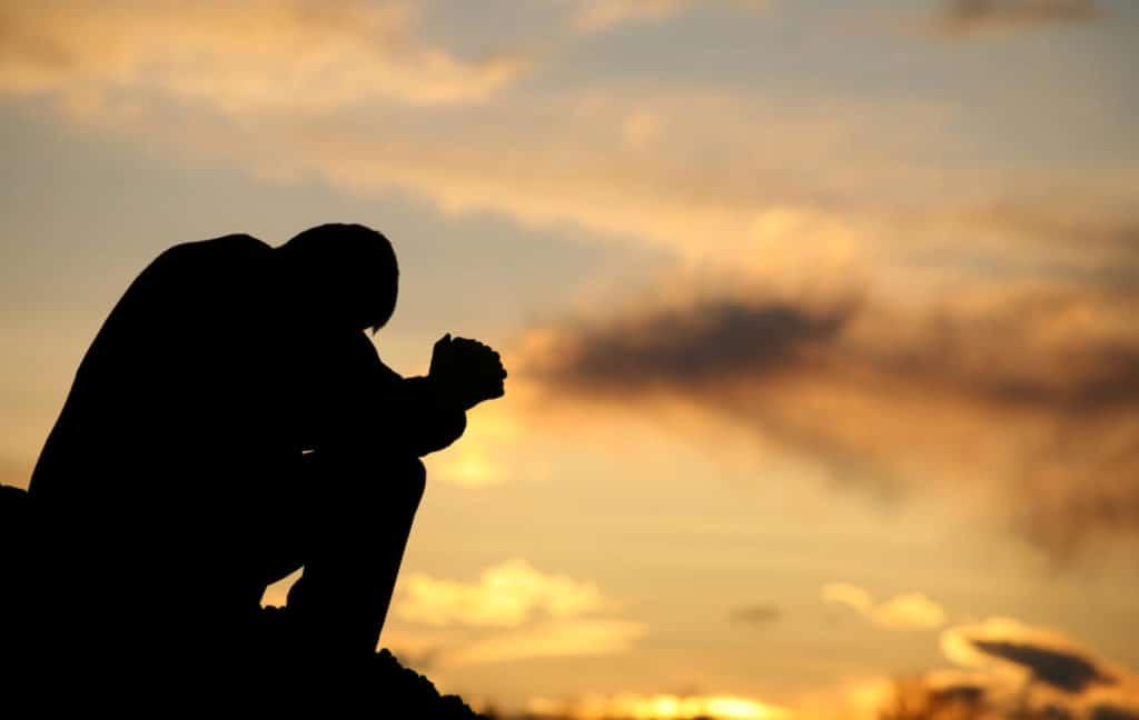Oração é sempre um caminho para sermos melhores